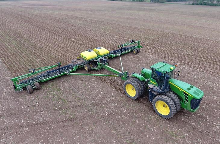 Maszyna rolnicza na umowie leasingowej