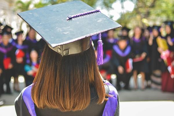 Absolwentka studiów